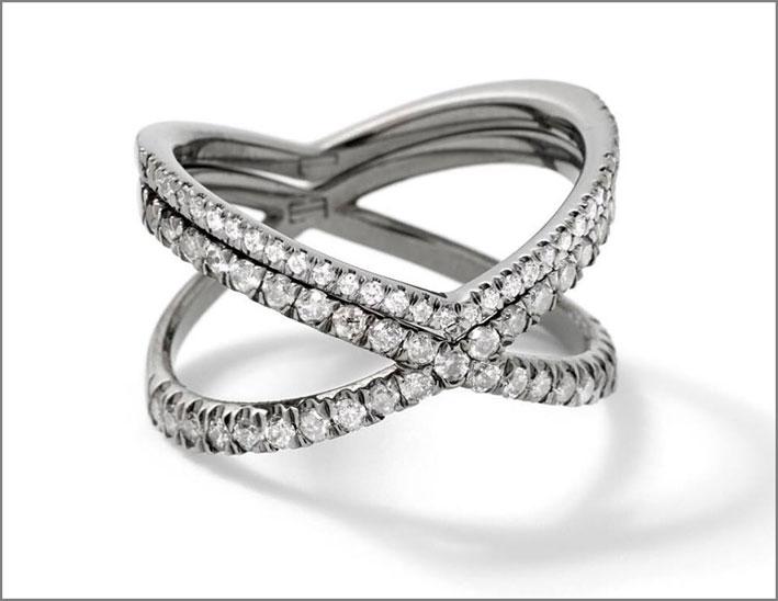 Anello doppio con diamanti