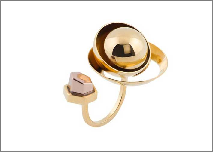 Collezione Route 66, anello in ottone placcato oro e cristalli Swarovski