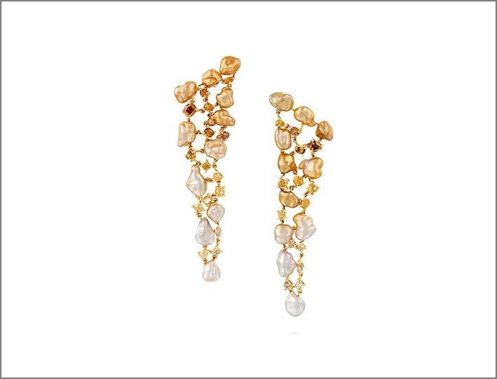 Orecchini con perle keshi e diamanti
