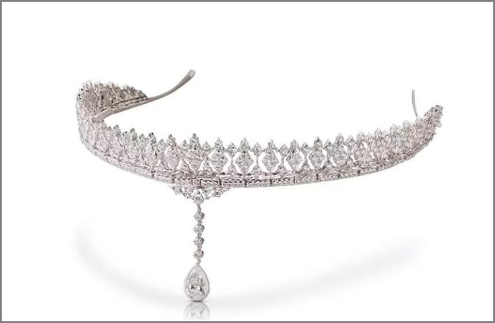 Tiara Carlotta, con diamante a goccia. pendente. Si può trasformare in collier