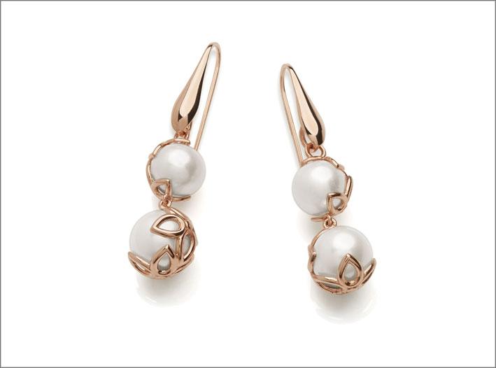 Orecchini in argento 925 placcato oro rosa 18k con perle d'acqua dolce. Prezzo: 94 euro