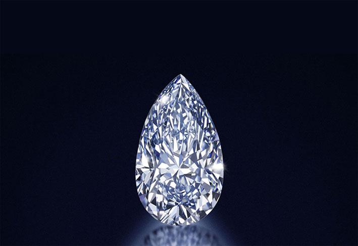 Diamante blu intenso a forma di pera, peso 4 carati