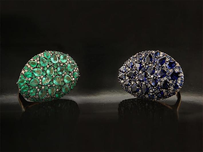 Anelli della linea Big Misty, in oro, diamanti smeraldi, zaffiri