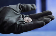 Il  diamante Romanov a taglio rotondo, tradizionale, con 57 sfaccettature