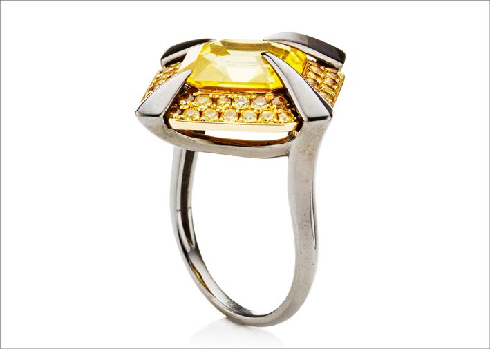 Tito Pedrini, anello con zaffiro giallo, pezzo unico