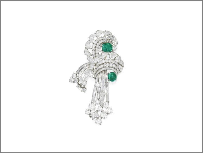 Spilla di diamanti e smeraldi di Cartier