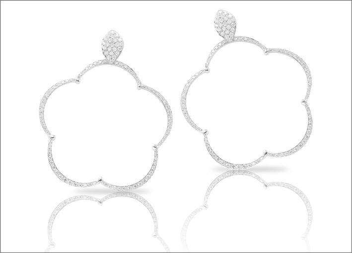 Orecchini bianchi della collezione Ton Jolì