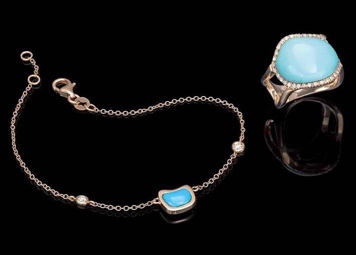 Anello e bracciale in oro e turchese