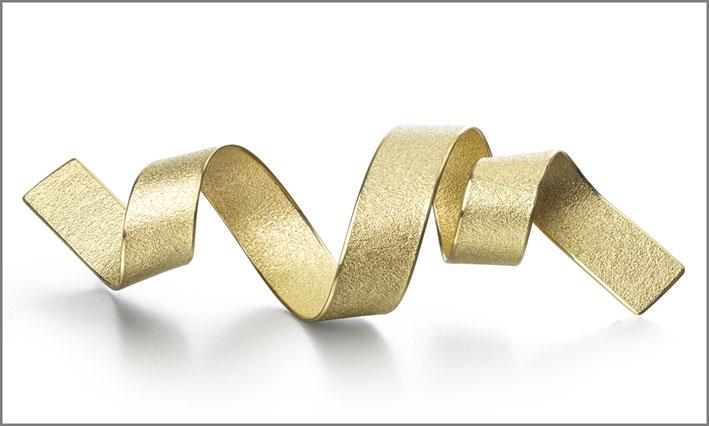 Spilla in oro etico di Ute Decker