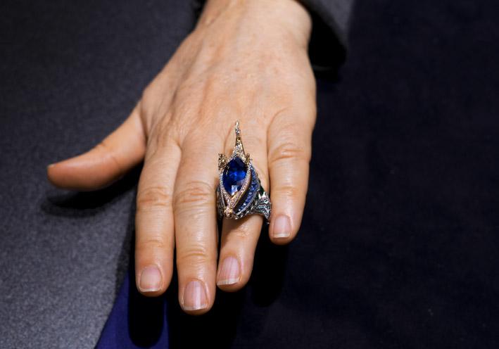 Alessio Boschi, anello Ponte di Rialto indossato