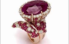 Giovanni Ferraris, collezione Anastasia. Anello in oro rosa, rubini, diamanti