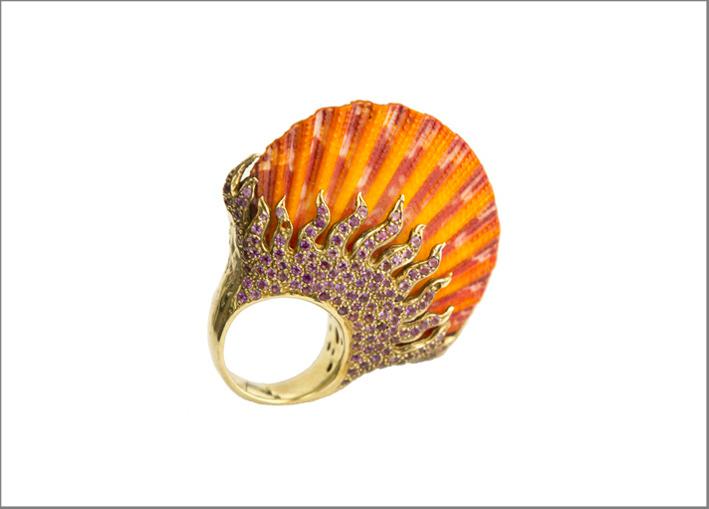 Anello in argento placcato oro con corallo
