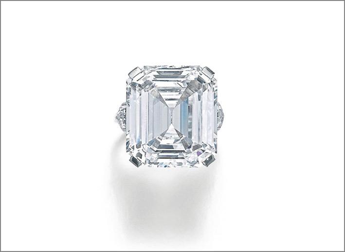 Anello con diamante. Stima 1-1,5 milioni di euro