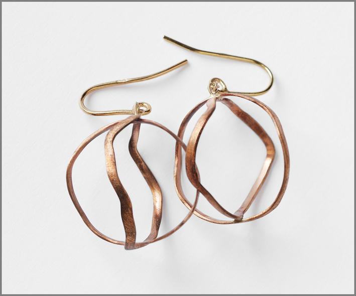 Francesca Mo, orecchini della collezione Broken Line
