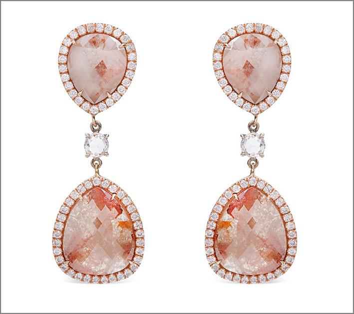 Orecchini con diamanti rosa grezzi. Prezzo: 19800 dollari