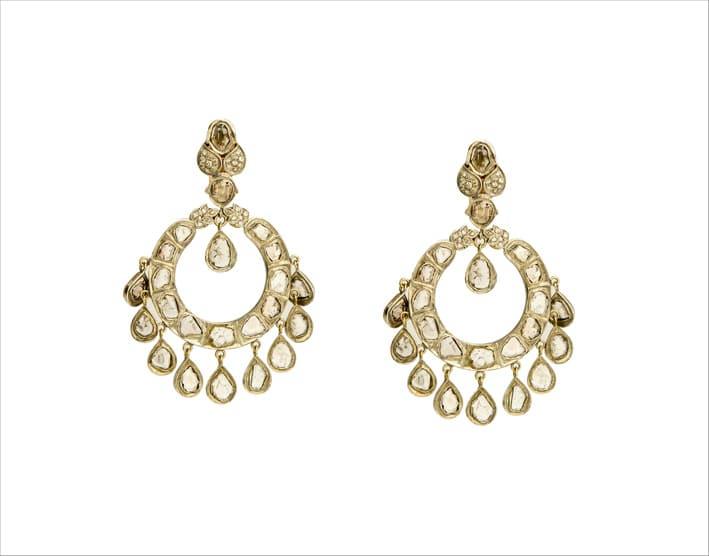 Orecchini pendenti in argento e oro con diamanti
