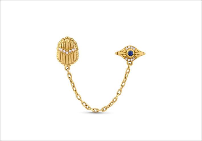 Orecchino a catena in oro e diamanti con scarabeo