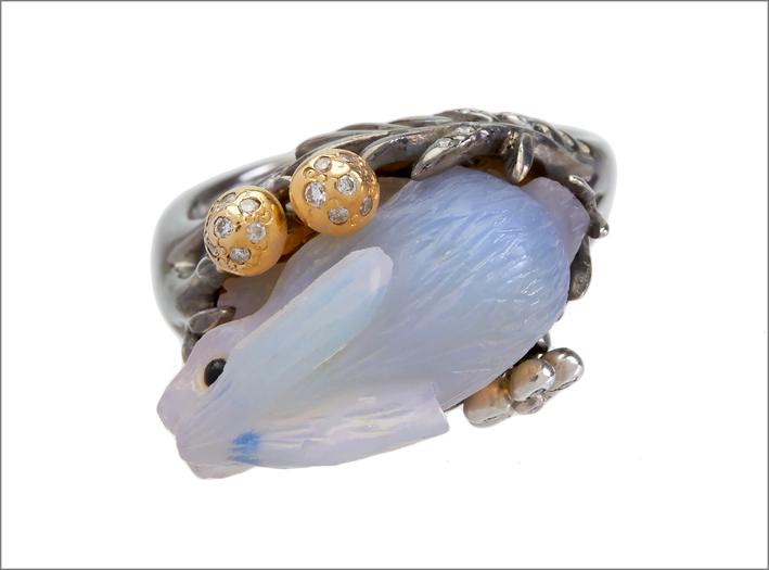 Anello Bunny, in oro, diamanti, opale a forma di coniglio