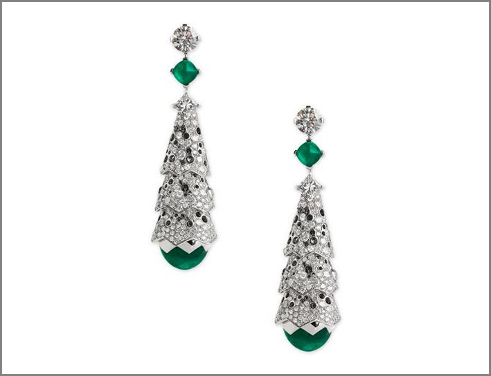 Orecchini Arlequin in oro bianco, diamanti e smeraldi