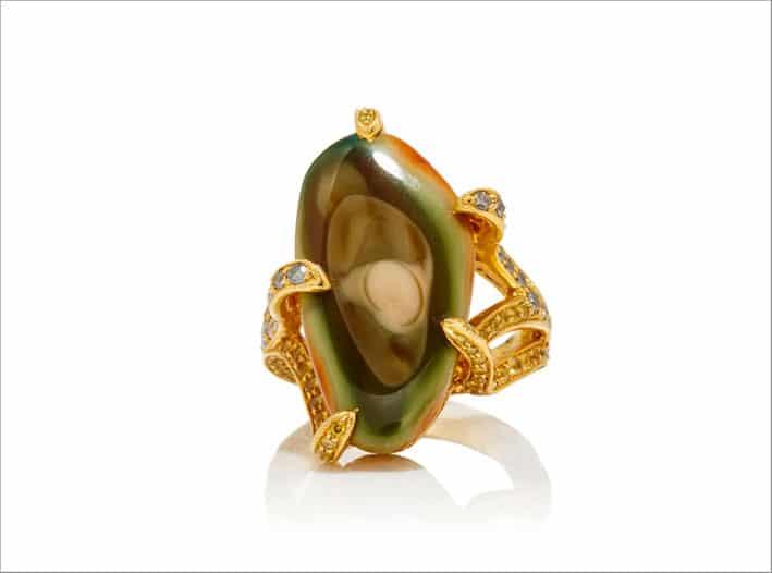 Anello con diamanti, citrini, peridoto, zaffiri gialli