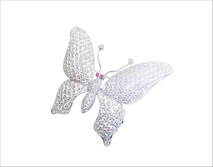 Spilla a forma di farfalla in oro bianco e diamanti