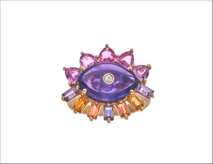 Anello con ametista e diamante al centro
