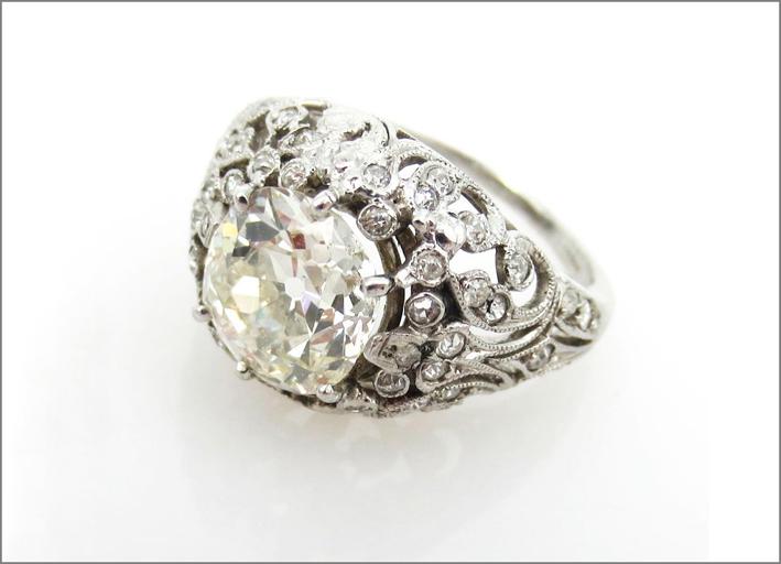 Anello del periodo Edoardiano con diamante  da 2,5 carati taglio old-mine