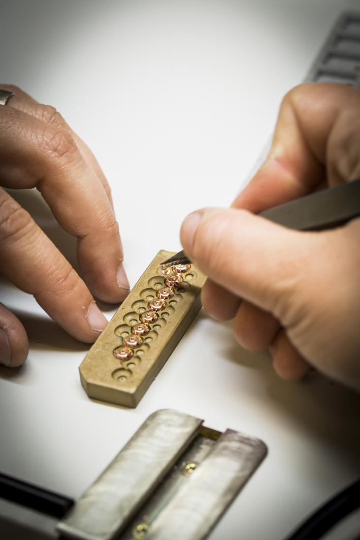Lavorazione della collezione Bouton d'Or