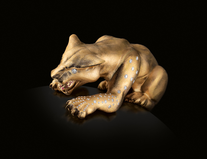Cheetah, il Ghepardo, realizzato a mano in oro 18 carati, con diamanti e rubini
