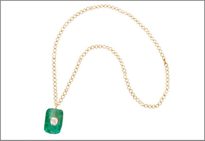 Collana in oro con smeraldo e diamante