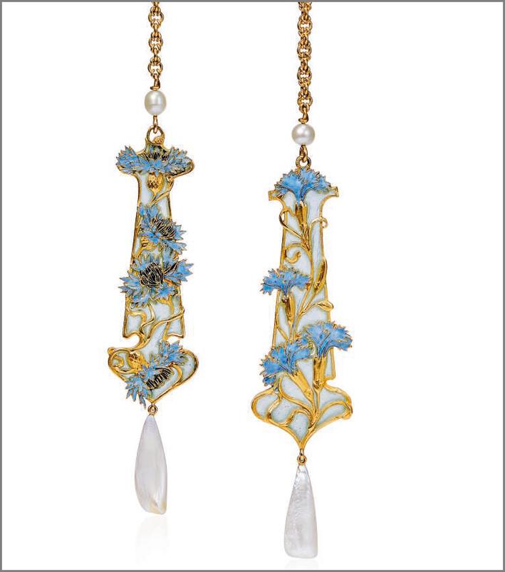 Orecchini di René Lalique, con smalto e perle