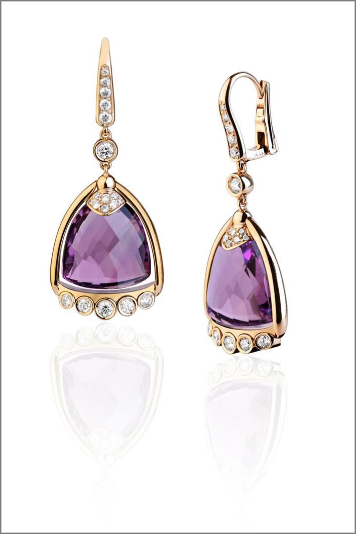 Orecchini in oro, diamanti e ametista. Prezzo: 6100 euro