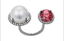 Nadine Aysoy, anello con perla dei mari del Sud, diamanti e rubellite