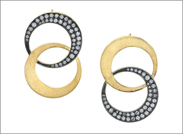 Orecchini in oro e diamanti. Prezzo: 6280
