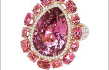 Sutra, anello con spinelli rosa e diamanti. Prezzo: 85.000 dollari