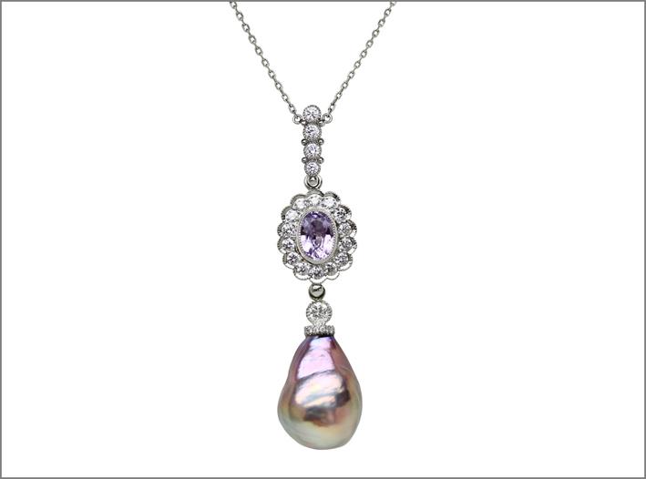 Pendente con perla barocca, platino, spinello