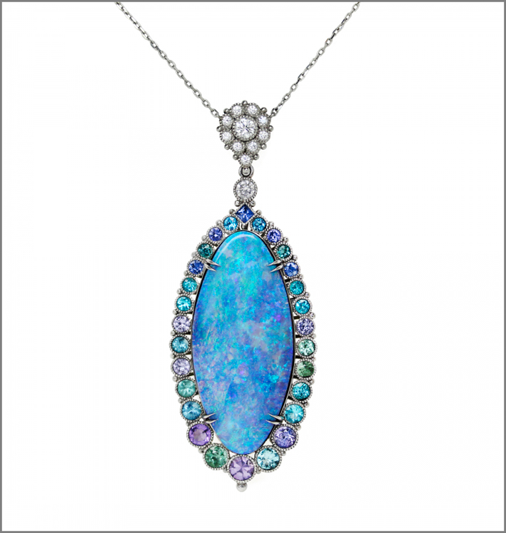 Pendente con opale boulder, tormalina Paraiba e verde, zaffiro viola, blu e verde, spinello viola, ametista, diamanti