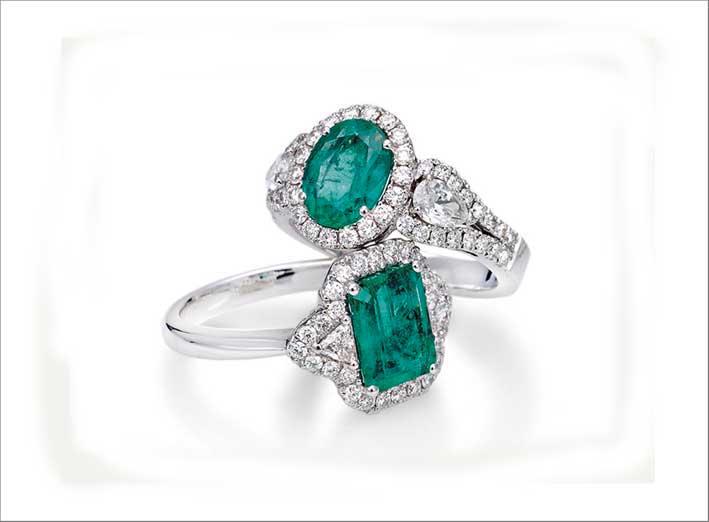 Alberti, anelli con smeraldi e diamanti