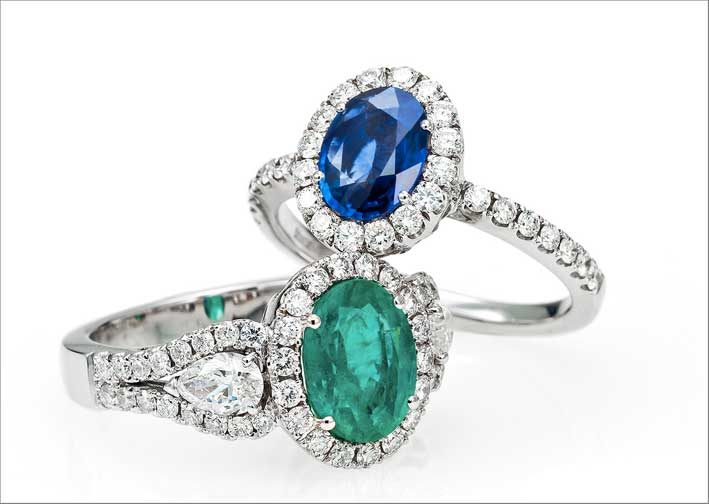 Anelli con smeraldo, zaffiro e diamanti