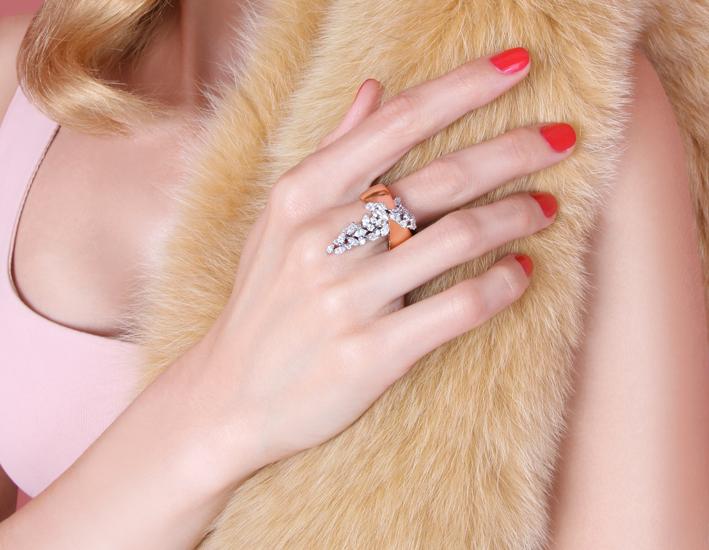 Anello con 10 diamanti taglio marquise