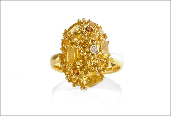 Anello in argento dorato con citrini