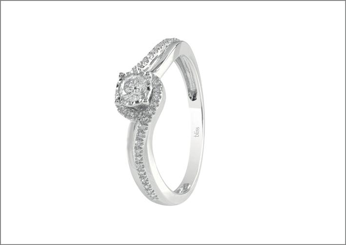 Anello con diamanti della collezione Lumina