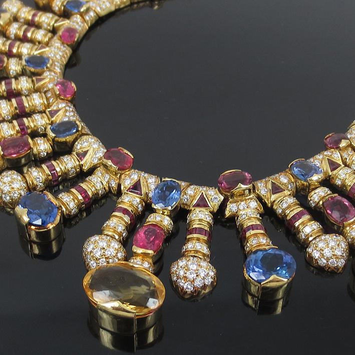 Collana con diamante da 21 carati, zaffiri, runini e tanzaniti in vendita su eBay