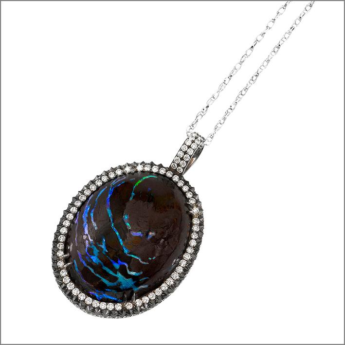 Collana con opale
