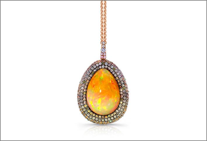 Pendente con opale etiope su oro rosa 18 carati, con zaffiri naturali rosa pallido, pesca, giallo e menta