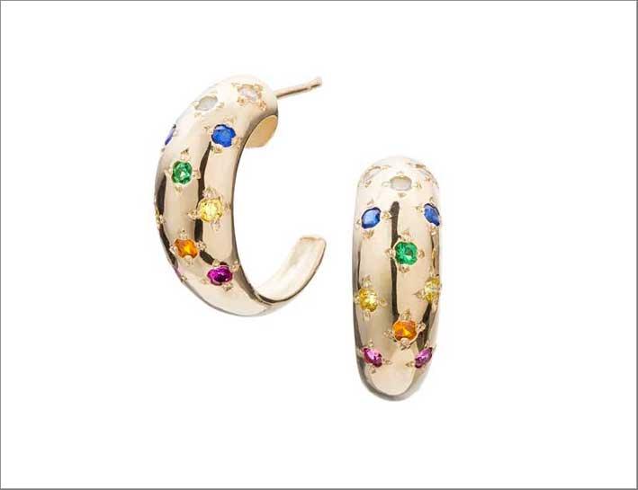 Orecchini in oro 14 carati con rubino, opale, zaffiro giallo, blu e bianco, smeraldo, acquamarina