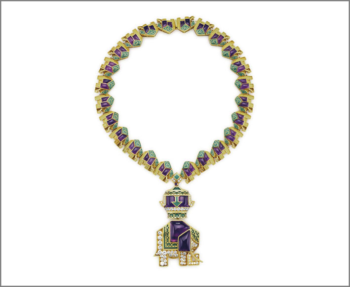 Collana di Bulgari con diamanti, ametiste, smalto. Venduta per 225.000 dollari