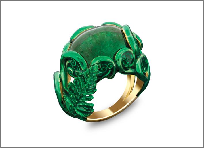 Anello Verde, con smeraldo di 14,90 carati, lacca