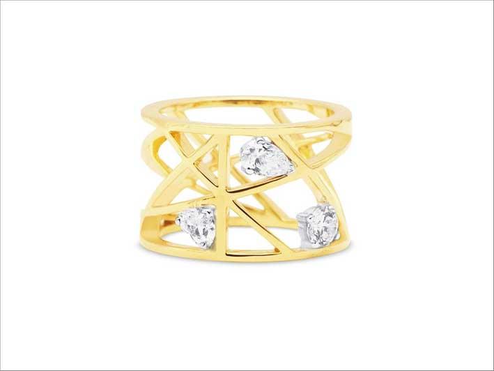 Anello in oro con diamanti taglio fantasia