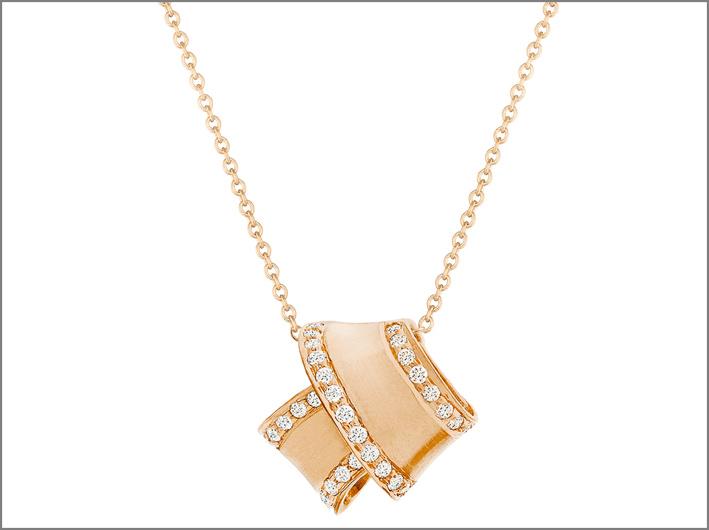 Carelle, pendente in oro rosa e diamanti. Prezzo: 1725 dollari